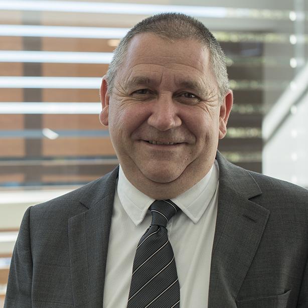 Simon Stewart | Chief Marketing Officer